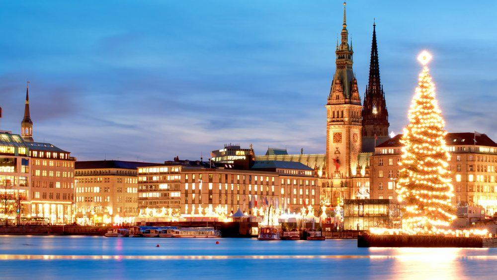Der Weihnachtsmarkt in Hamburg an der Alster