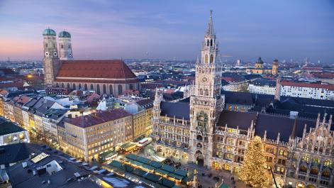 Weihnachtsmarkt vor dem Münchner Rathaus